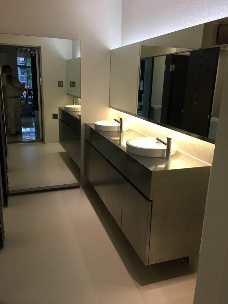 手洗いカウンター改修