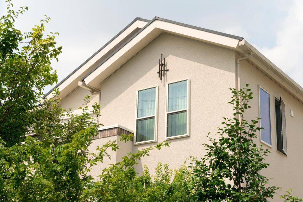 外壁塗装の際の色選びの注意点について。人気の色についてもご紹介!
